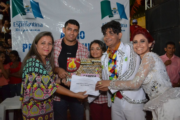 Quadrilha Junina Tradição foi a grande campeã do XXIV Festival de Folguedos de Esperantina