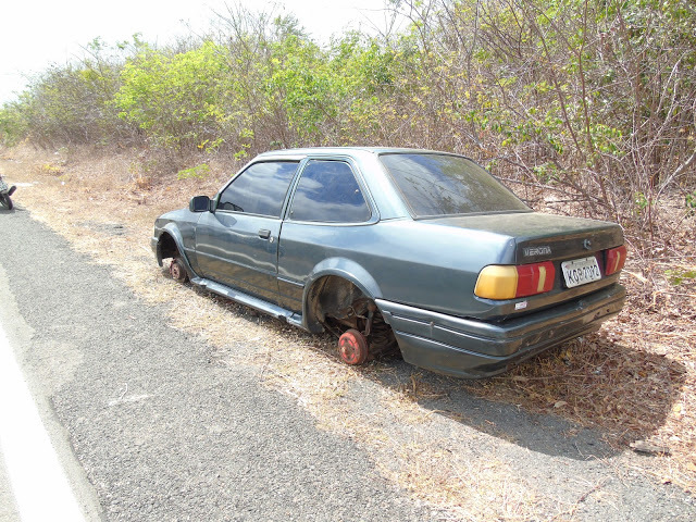 Homem vai buscar ajuda após carro dar problema e ao voltar tem surpresa