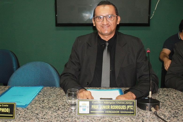 Vereador Júnior Rodrigues solicita alterações no Estatuto dos Servidores para garantir liberdade de expressão