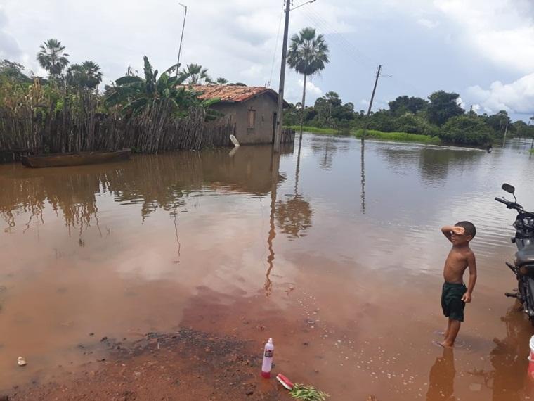 Assentamento na zona rural de Batalha está literalmente debaixo de água