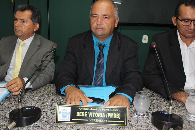 Vereador Bebé Vitória solicita escala de expediente de advogados da Câmara Municipal