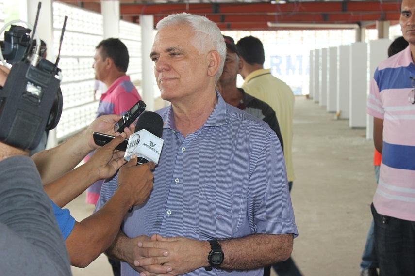 Deputado Themístocles Filho viabilizou junto ao Governo o envio de cestas básicas para Esperantina