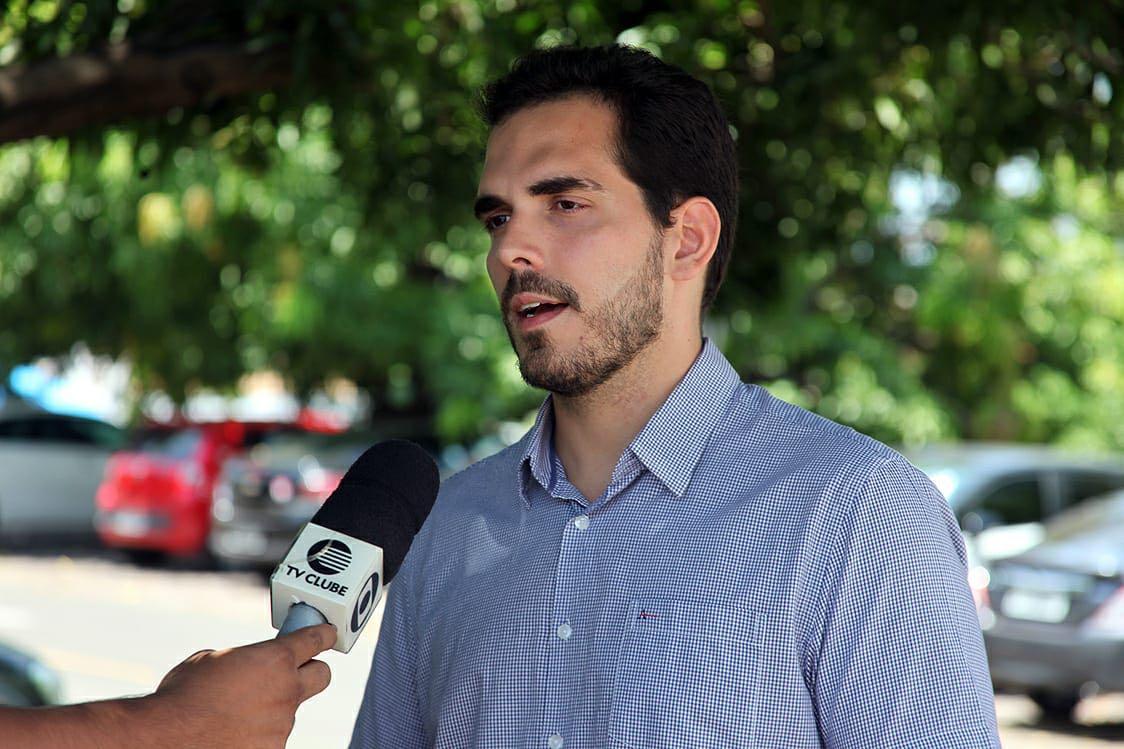 Deputado Marcos Aurélio apresentou projeto que vai facilitar pessoas de baixa renda tirar Carteira de Habilitação
