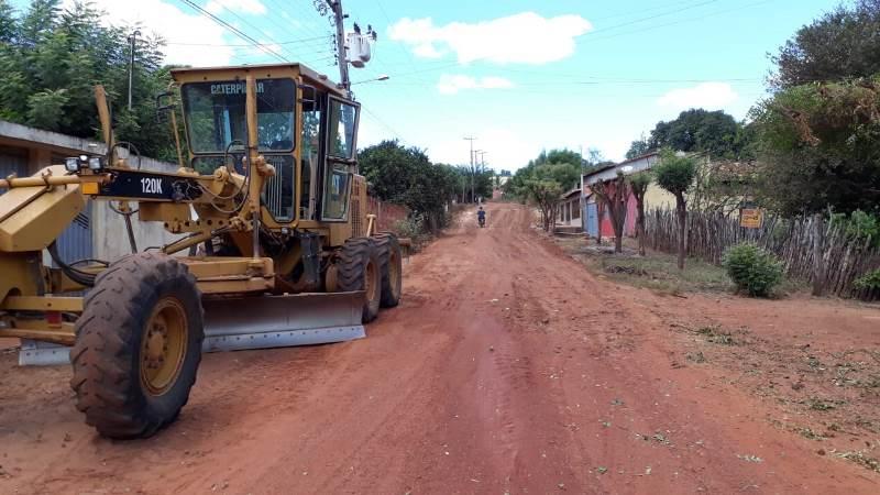 Rua Tony Ramos recebe etapa de terraplanagem para asfalto em Esperantina