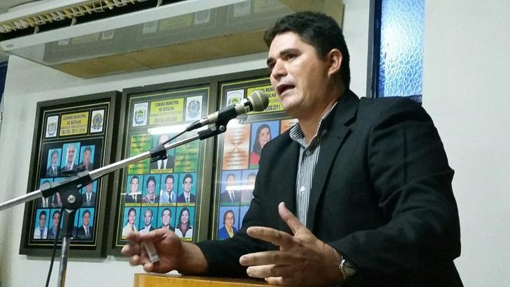 Vereador de Batalha solicita que prefeitura faça repasse financeiro para as famílias dos alunos