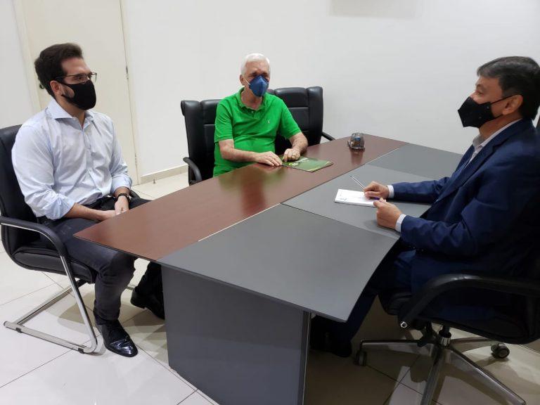 Deputados Themístocles e Marcos Aurélio se reúnem com o governador Wellington Dias