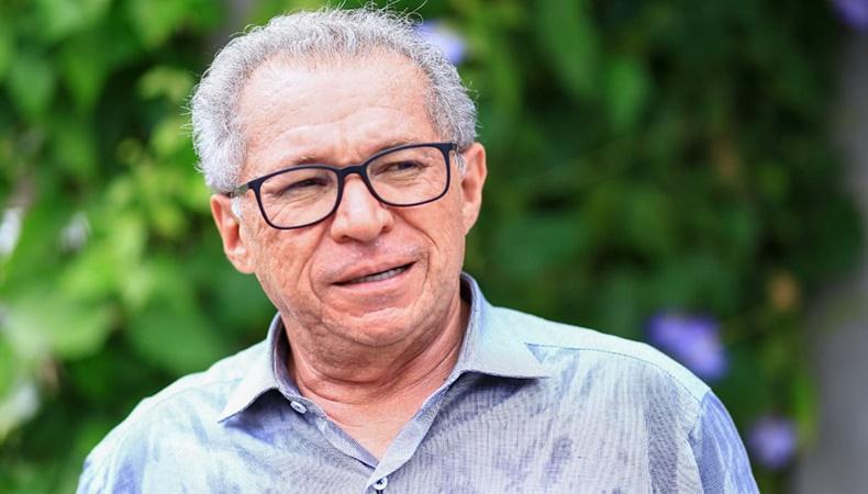Deputado Assis Carvalho morre em UPA de Oeiras após infarto