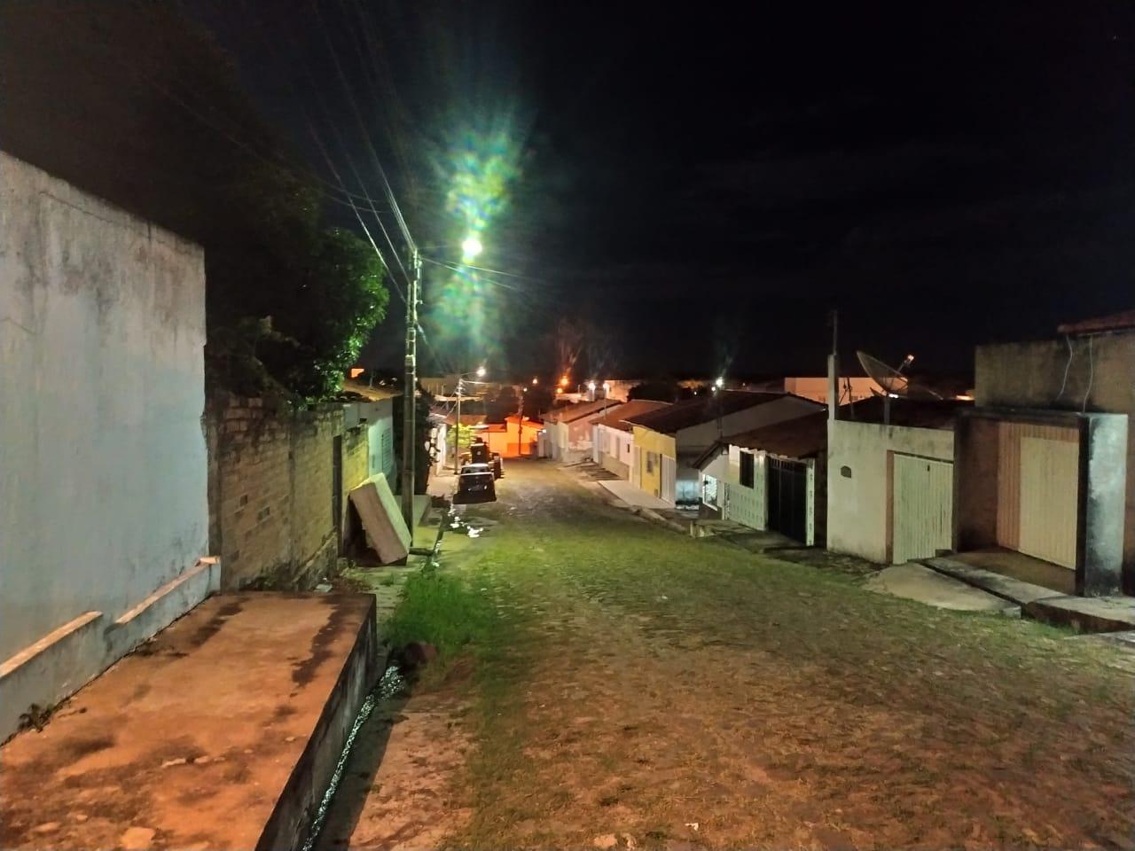 Dupla de bandidos assaltaram dois jovens no centro de Esperantina