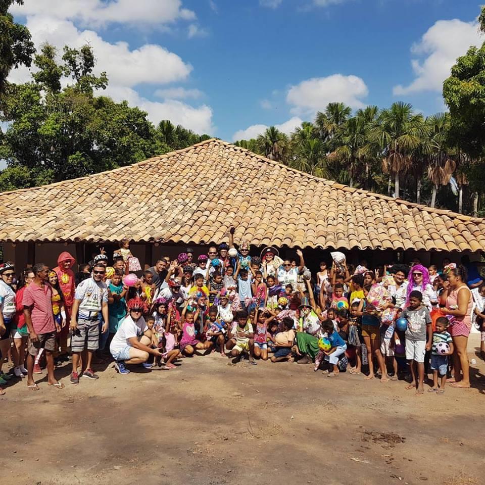 """Grupo de pedal """"Exercita Esperantina"""" faz doação de brinquedos para crianças de comunidade quilombola"""