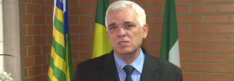 Themístocles diz que oposição ajuda o governo ao criticar administração