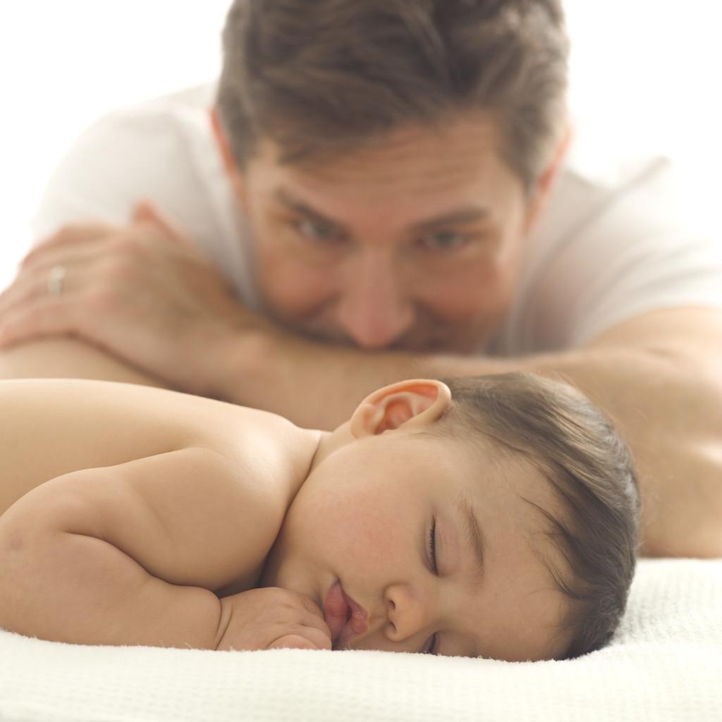 Senado permite ampliação de 5 para 20 dias da licença-paternidade