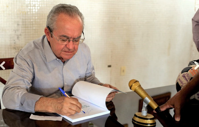 Jornalista anuncia novas datas de lançamento do seu livro em Esperantina e Batalha