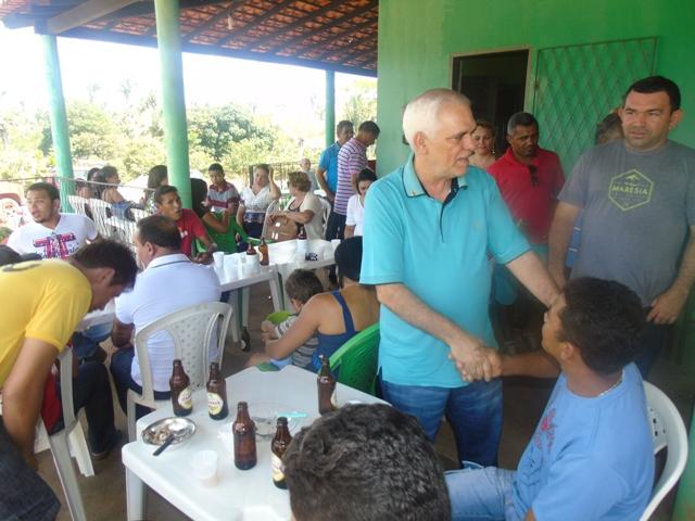 Themístocles Filho participa de confraternização na zona rural de Esperantina