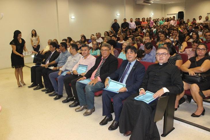 Câmara de Esperantina realizou Sessão Solene para entrega de Títulos de Cidadania