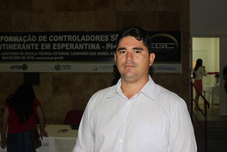 Vereador apresenta projeto que obriga município a realizar exames oftalmológicos em crianças