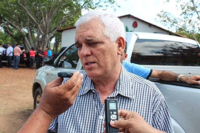 Themístocles vai a Brasília tratar sobre expansão da Universidade Federal