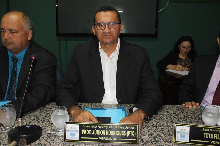 Vereador Junior Rodrigues solicita melhorias para o Bairro Carraspanha