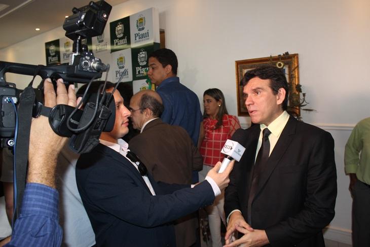 Marllos Sampaio diz que atrasos salariais dos funcionários da Prefeitura de Esperantina é falta de planejamento