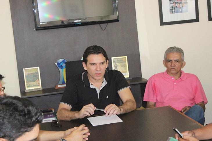 Marllos Sampaio realiza reunião com militância na sede do PMDB em Esperantina