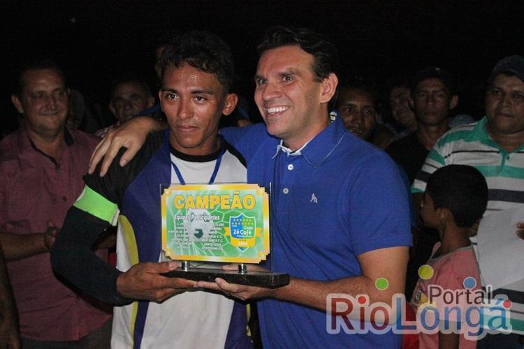 Marllos Sampaio esteve prestigiando a final da II Copa Zé Café de Futebol de Campo