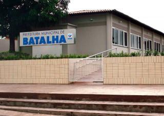 Servidores da Prefeitura de Batalha estão com salários atrasados