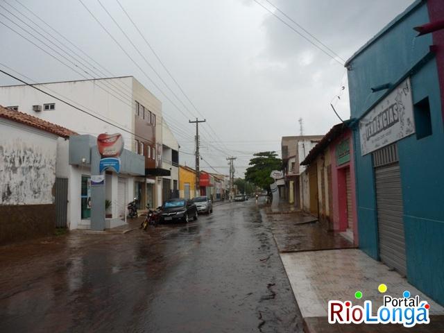Choveu o dia todo em Esperantina nesta terça-feira (24)