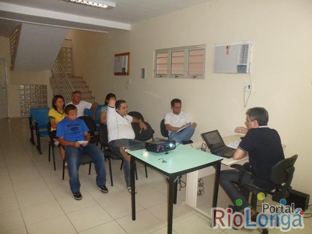 Justiça Eleitoral reúne representantes de partidos para explicar sistema de registro de candidaturas