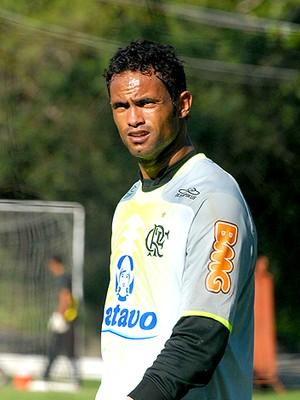 Goleiro Bruno assina com o Montes Claros nesta sexta, diz presidente do clube