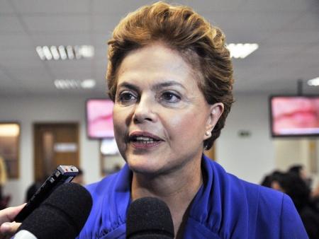 Dilma sanciona lei que regulamenta direito à meia-entrada no Brasil