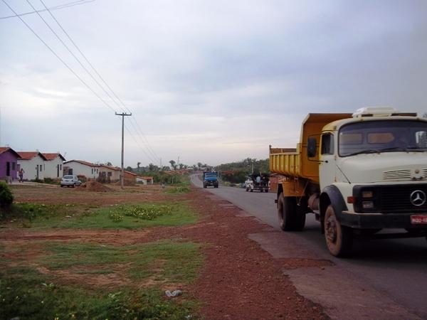 Moradores do Conjunto Bernardo Rêgo reclamam de falta de segurança na estrada que passa pelo residencial