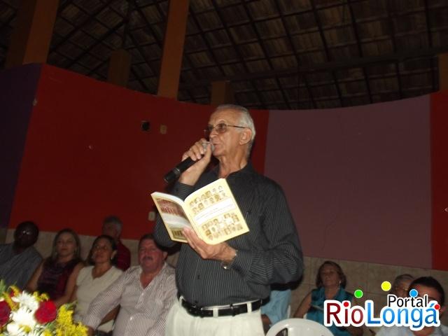 Confira fotos do lançamento do livro do escritor Assis Fortes em Esperantina