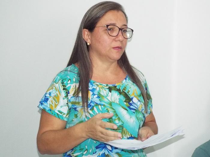 Prefeita baixa Decreto demitindo 127 cargos comissionados da Prefeitura de Esperantina