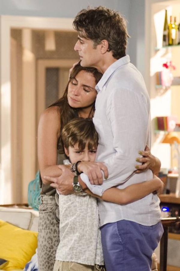 """Cena da separação de Cadu e Clara emociona equipe de estúdio de """"Em Família"""""""
