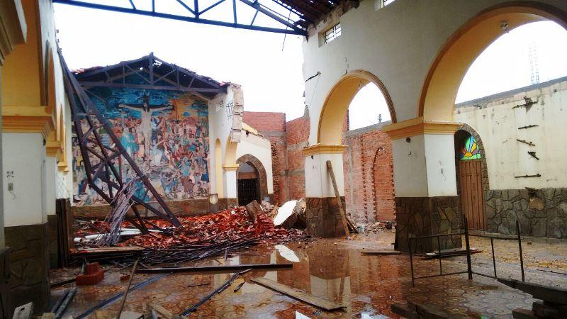 Forte chuva danifica teto da Igreja Matriz em Esperantina