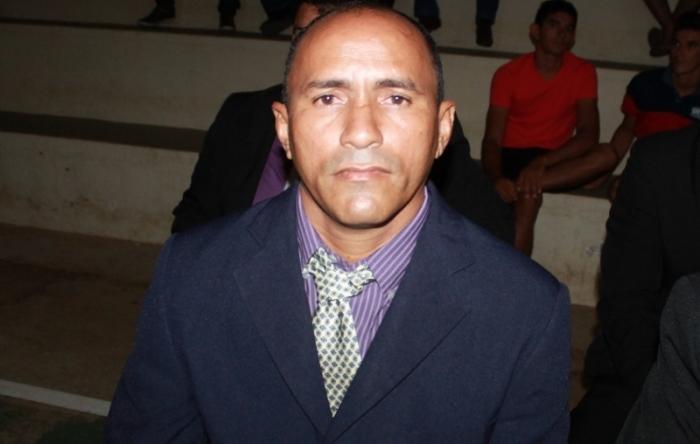 Vereador considerado analfabeto é afastado do cargo no Piauí