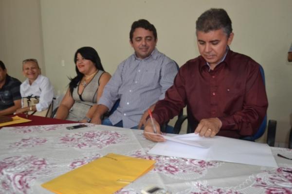 Prefeitura de Campo Maior efetua pagamento dos servidores efetivos do município
