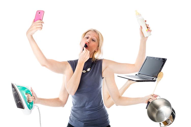 PI: mulheres trabalham o dobro que os homens dentro de casa