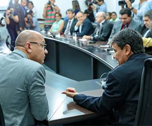 Governo do Piauí lança crédito para que servidores quitem suas dívidas