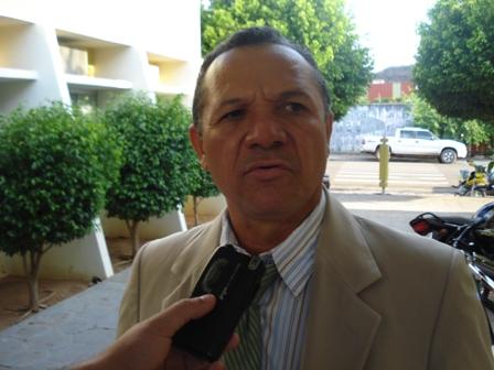 Homem invade sessão e agride vereador em Picos