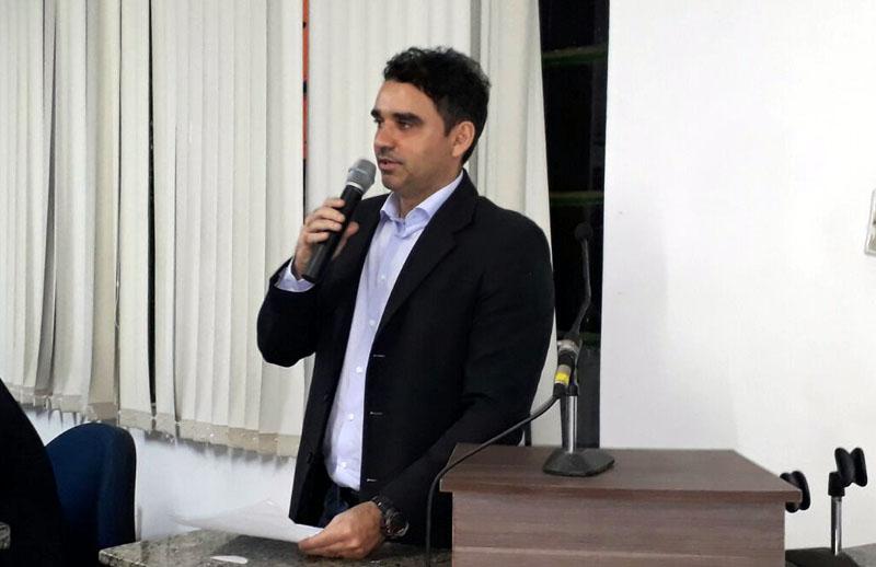 Vereador Mauro apresenta proposta que obriga a prefeitura a pagar os servidores até o 5º dia útil do mês subseqüente